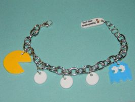 Pac-Man and Ghost charm bracelet by kouweechi