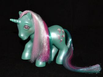 Pearlized Fizzy (sold) by Soulren