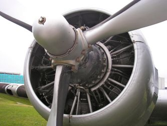 DC3 Engine by Tomasos