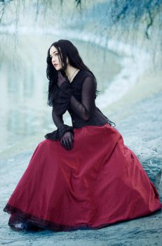 Gothic Lady (Of the Lake) by Luin-Tinuviel