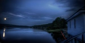 A Full Moon Over Mascoma... by thesleepydave