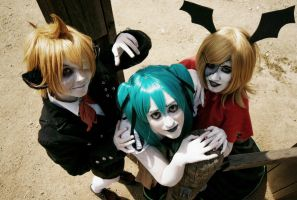 Len, Rin and Miku on Trick and Treat -Vocaloid- by AliciaMigueles