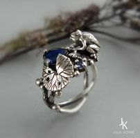 Cast silver frog ring lily pads with spinel by JuliaKotreJewelry