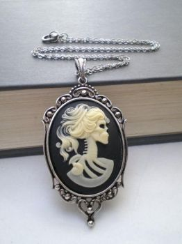 Gothic Cameo Jewelry by lexlana77