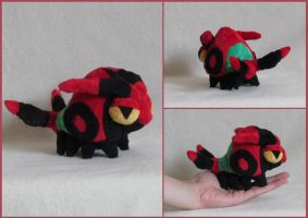 Venipede pokedoll by MagnaStorm
