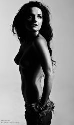 nude portrait in the style of Che Guevara by DenisGoncharov