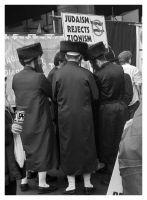 Judaism Rejects Zionism by tanya-n