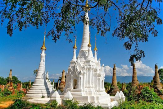 Shwe Indein Stupa 6 by CitizenFresh