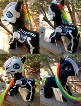 Skelly Pony by seethecee