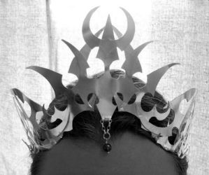 Darkelf crown - front by fairyfrog