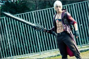 NeverEnding- Dante DMC 3 Cosplay by Leon Chiro by LeonChiroCosplayArt