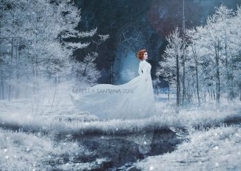 Snow Queen by MirellaSantana
