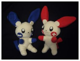 Plusle and Minun Plushies by VesteNotus