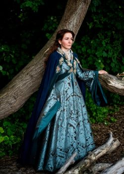 Catelyn Tully Stark cosplay Game of Thrones by Volto-Nero-Costumes