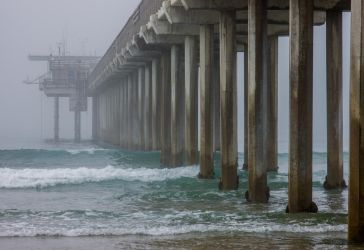 Scripps Pier in Fog by rbcd