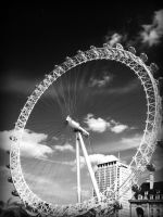 London Eye in Black + White by this-is-the-life2905
