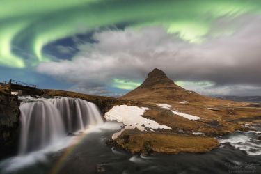 The moonbow under the green sky by LinsenSchuss
