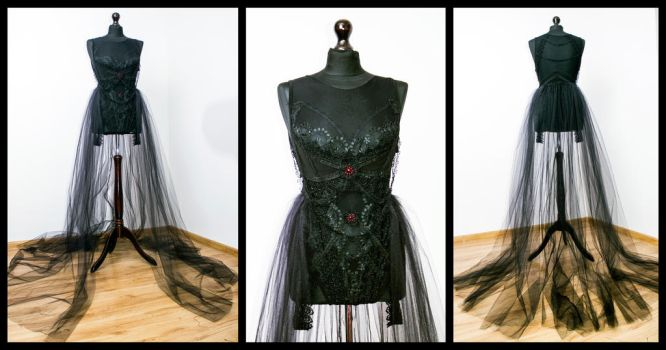 Gothic costume by Dolores-de-Ville