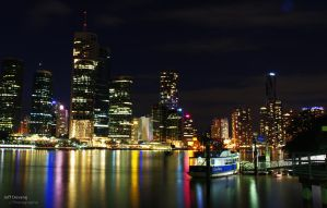 Brisbane at night by lucanus43
