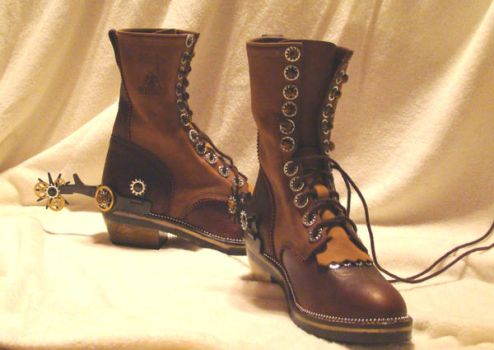 Steampunk Boots and spurs by brucethelesser