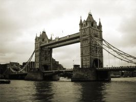 London Bridge by Sn3AKY