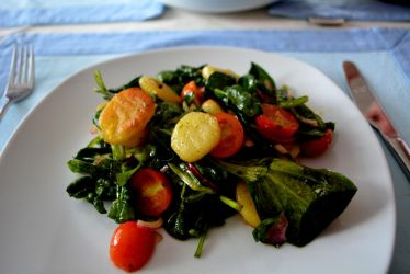 Salad with fried gnocchi and basil garlic dressing by Sintorion