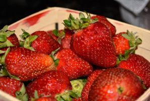 Strawberries by sioranth