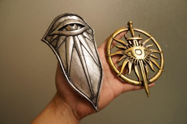 Inquisition Shield/Emblem Charms by ammnra
