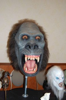 Giant Kong head by Caseylovedesigns