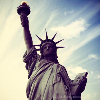 New York - Statue of Liberty by DarkSaiF