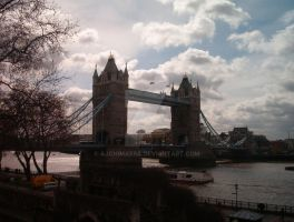 London Bridge by AJChimaera