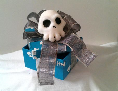 Nightmare Before Xmas themed Gift box - Blue by Riskyo