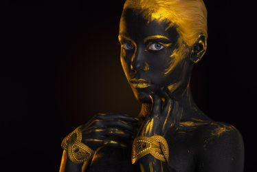 Black Gold gerl Body-art by Afemera