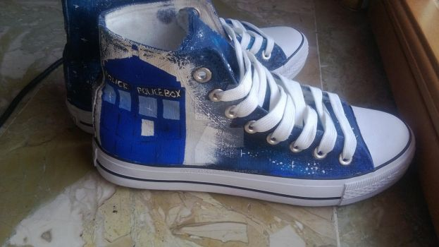 Tardis shoes! (Italy-USA) by LadyFabcurly