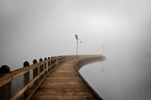 Fog on the dock by Grayda