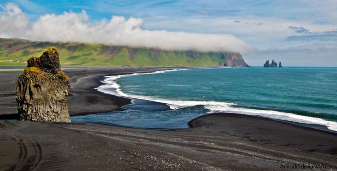The Black Beach by amrodel
