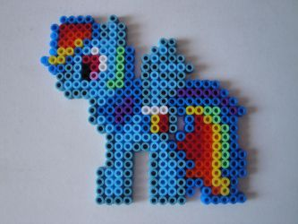 Rainbow Dash Hama Sprite by rinoaff10