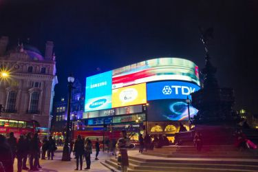 Piccadilly Circus by n0M3n