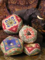 Pin Cushions w Elephant 6-21-1 by Isiscat777