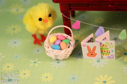 Miniature Easter egg basket by EmisBakery