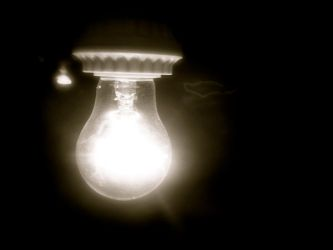Light Bulb by peacewisher222
