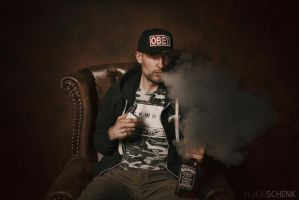 Whiskey and Vape by kschenk