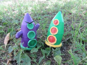 Purple and Green Tentacle by RakogisPapercraft