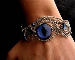 Custom Clasp Bracelet Dragon eye by LadyPirotessa