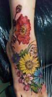 flowers tattoo by mojoncio