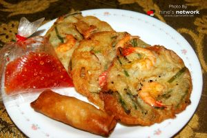 Cucur Udang (Malaysian Food) by carnine9