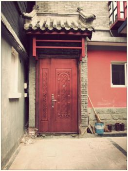 Hutong Door by spinninghead