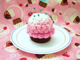 Cupcake Pin Cushion by alternativeicandy