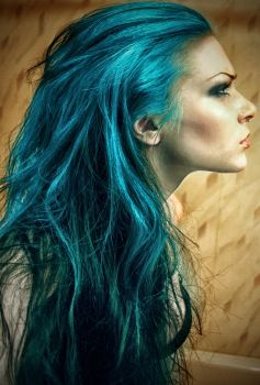 The girl with turquoise hair by mylifesite