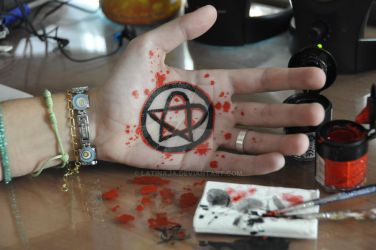Painting Heartagram by LaTinaja